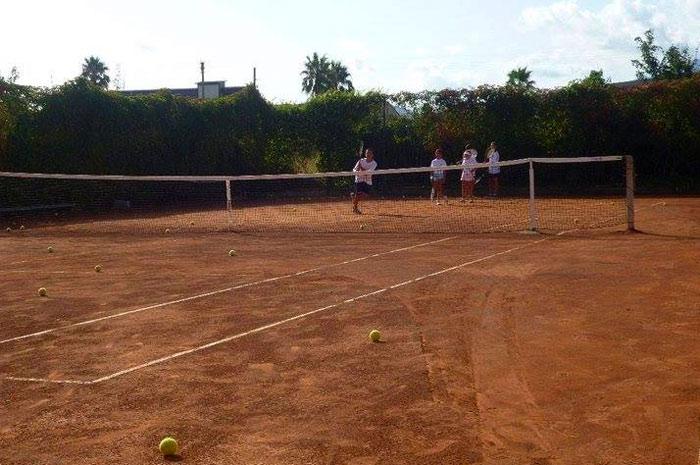 http://www.hotelbaccocilento.it/wp-content/uploads/2016/02/tennis-hotel-bacco.jpg