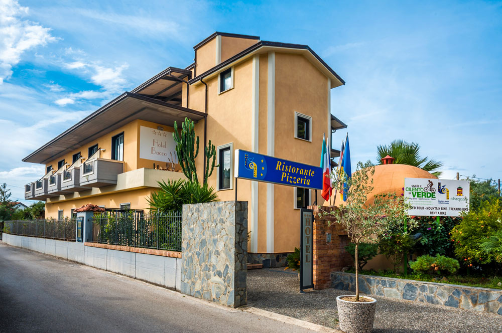 http://www.hotelbaccocilento.it/wp-content/uploads/2016/05/hotel-bacco-01.jpg