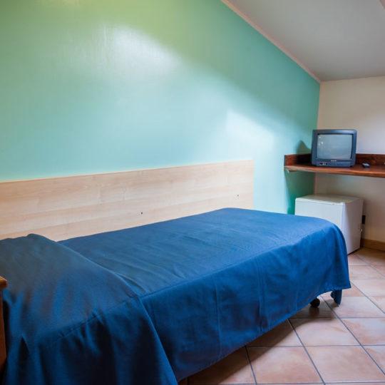 http://www.hotelbaccocilento.it/wp-content/uploads/2016/12/hotelbacco-mansarda-05-540x540.jpg