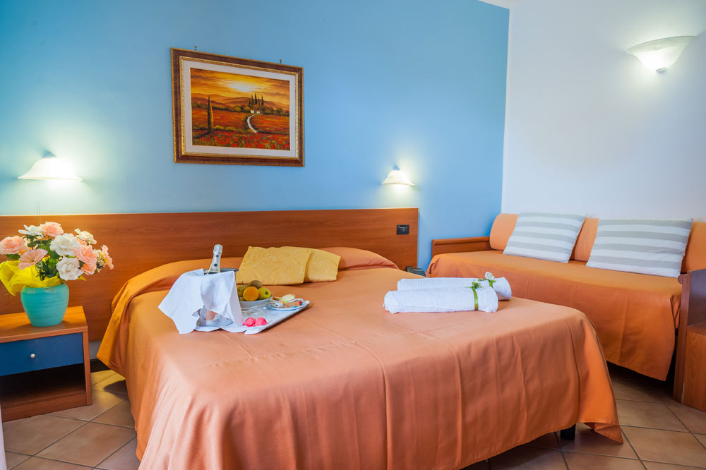 http://www.hotelbaccocilento.it/wp-content/uploads/2016/12/hotelbacco-tripla-02.jpg