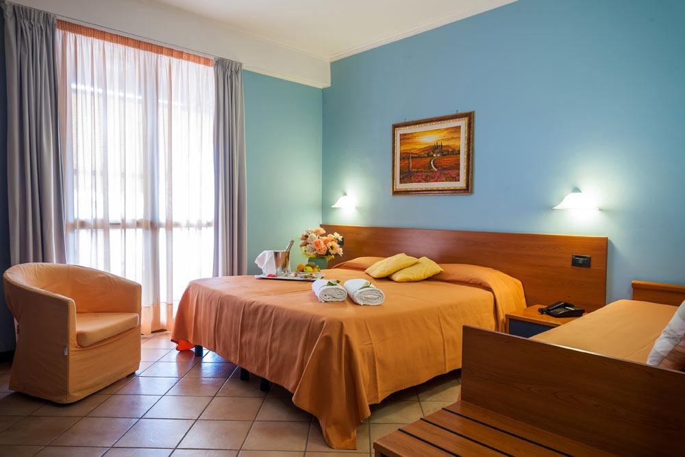 https://www.hotelbaccocilento.it/wp-content/uploads/2016/12/hotelbacco-tripla-01.jpg