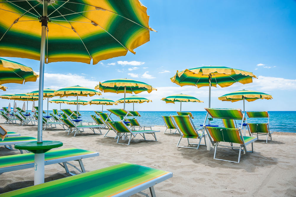 https://www.hotelbaccocilento.it/wp-content/uploads/2017/10/hotel-bacco-spiaggia-1.jpg