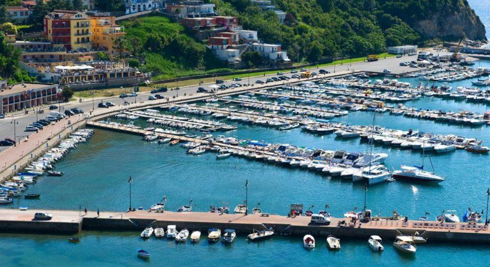 https://www.hotelbaccocilento.it/wp-content/uploads/2018/05/Agropoli-Porto-990x540.jpg